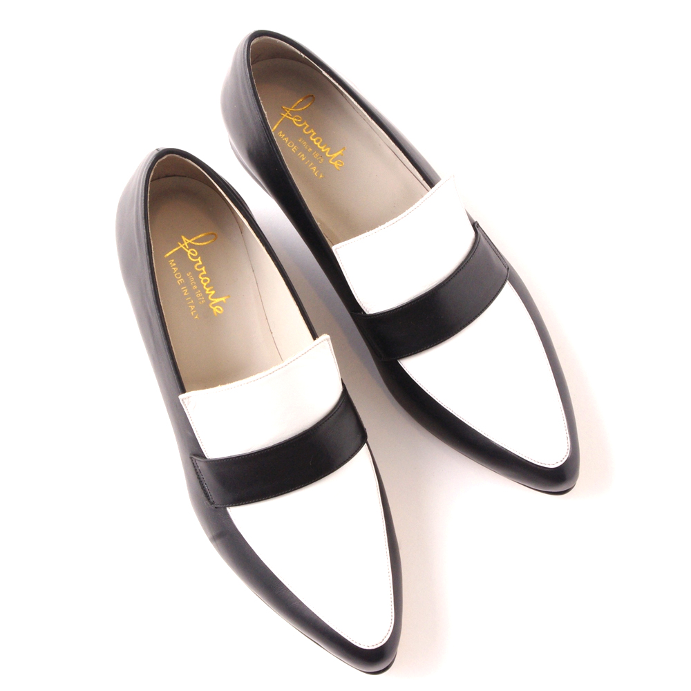 LADIES' SHOES ¥36,000(本体)